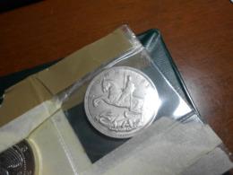 ENGLAND   1935   -  SILVER  CROWN  COIN  - - 1902-1971 :  Post-Victoriaanse Muntstukken