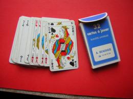 JEU DE 32  CARTES + 1 JOKER SON CARTONNAGE PUB A BEAUVAIS VENDOME  FERMETURE DU BATIMENT VERANDAS STORES 61220 BRIOUZE - Spielkarten