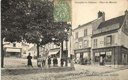 CPA NEAUPHLE-le-Chateau-Place Du Marché (260717) - Neauphle Le Chateau