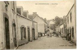 Landrévarzec- La Rue Principale - France