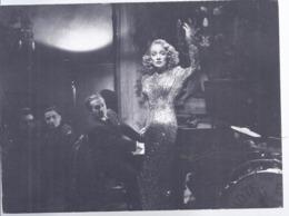 AK-div.30- 380   -   Filmszenekarte  - A Forreigh Affair (eine Auswärtige Affaire) USA 1947/48 - Acteurs