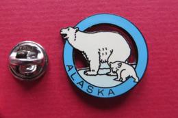 Pin's,ville,ALASKA,OURS BLANC,Eisbär,Alasca - Pin's