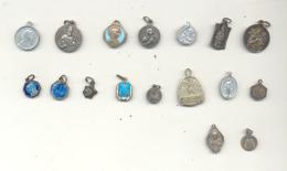 RELIGION - Lot De 17 Petites Médailles Religieuses (SL) - Religione & Esoterismo