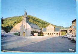 Hastière-sur-Meuse-1970-L'Eglise Et La Maison Communale-Vieilles Voitures - Hastière