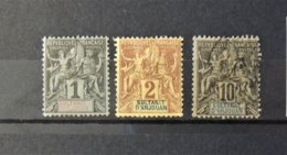 Anjouan - N°1 + 2 + 5  Cote : 13 Euros - Anjouan (1892-1912)