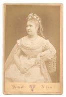 PHOTO  De Femme Sur Carton -- Victoire 22 Rue Saint Pierre, Lyon -- Pas Connaisseur En Photos - Voir Scans - Oud (voor 1900)