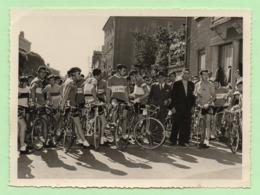 PHOTO  -  LOUISON BOBET - Départ De Course - Photo SCHULTZ Charlieu - - Cyclisme