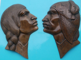 Couple, 2 Têtes Plates  En Bois, Sculpture De BOLIVIE, Hauteur 25.5 Cm - Legni