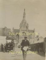 SAINTE ANNE D'AURAY C. 1900 Automobile Vendeur Journaux Morbihan 56 Bretagne - Lieux