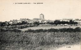 44. CPA. LA PLAINE.  Vue Générale De La Ville. - La-Plaine-sur-Mer