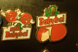 Lot De 2 Pin's Babybel - (fromage) - Levensmiddelen