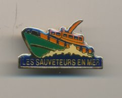 LES SAUVETEURS EN MER - Barcos