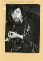 Le Fakir  YVON YVA  Bat Le Record De Sommeil Sous Hypnose En 1972 - Identifizierten Personen