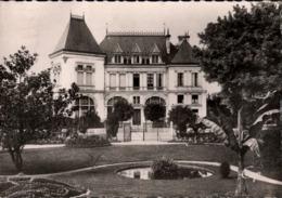 ! [45] Carte Postale, Montargis, Le Caisse D'Epargne, 1949 - Montargis