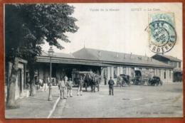 08  CPA  La Vallée De La Meuse    GIVET  La Gare   Joli Plan      Bon état (un Peu Souple à Droite) - Givet