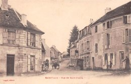 77. N° 104975 .saint Fiacre .rue Du Village .attelage . - Francia