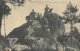 CARTE POSTALE ORIGINALE ANCIENNE : TENCE  LES ROCHERS DRUIDIQUES DE CROUZILLAC DOLMEN ANIMEE  HAUTE LOIRE (43) - Dolmen & Menhirs