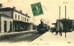 83 - LES ARCS - La Gare  ** Locomotive ** - Les Arcs