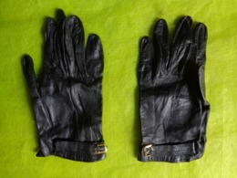 Gant Noir En Cuir - Vintage Clothes & Linen