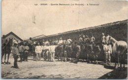 22 - DINAN --  Quartier Beaumanoir ( 13e Hussards ) - A L'Abreuvoir - Dinan