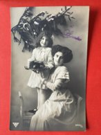 1913 - BONNE ANNEE - MAMAN ET FILLETTE AVEC FRUITS ET TARTE - MAMA MET DOCHTER, FRUIT EN TAART - Anno Nuovo
