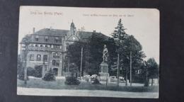 Beelitz Mark, Kaiser Wilhelm Denkmal Mit Blick Auf Die Schule , Gelaufen - Beelitz