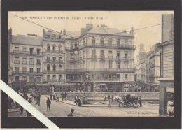 Nantes / Place De L'écluse Et Rue Des Halles Avec Le Tramway - Nantes