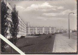 Nantes / Les Dervallieres / La Cité H.L.M. / Photo Artaud 10.5 X 15 Cm - Nantes