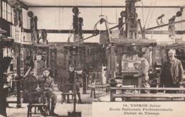 Carte Postale Ancienne De L'Isère - Voiron - L'Ecole Nationale Professionnelle - Atelier De Tissage - Voiron
