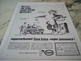 ANCIENNE PUBLICITE TIGRE DANS UN MOTEUR  HUILE ESSO   1966 - Other