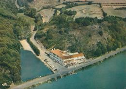 CHANTONNAY. - L'Hôtel Du Moulin Neuf. Au Bord Du Lac. Vue Aérienne. Cliché RARE. - Chantonnay