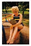 Marilyn Monroe Postcard (1037) - Publisher Pyramid Year 2011 - Size 9x14 Cm. Aprox. - Mujeres Famosas