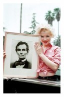 Marilyn Monroe Postcard (1391) - Publisher Pyramid Year 2011 - Size 9x14 Cm. Aprox. - Mujeres Famosas