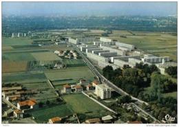 """Carte Postale 69. Vaux-en-Velin  Cité HLM  """"La Grappinière"""" Et """"Lamartine"""" Vue D'avion  Trés Beau Plan - Vaux-en-Velin"""
