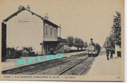 CPA - La Grande Paroisse - La Gare. - Gares - Avec Trains
