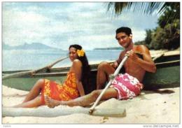 Carte Postale Polynésie Française  Tahiti Jeunes Polynésiens Sur La Plage De Punaauia Trés Beau Plan - Tahiti