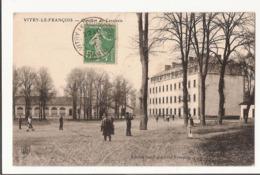 51 014 - VITRY LE FRANCOIS - Quartier De Cavalerie - MILITARIA - Vitry-le-François