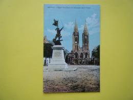 SAINT LÔ. Le Monument De La Victoire Et L'Eglise Notre Dame. - Saint Lo