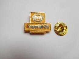 Beau Pin's En Relief , Carburant Essence , Oil , Huile , ESSO Impérial Oil , Signé Merit Calgary - Fuels