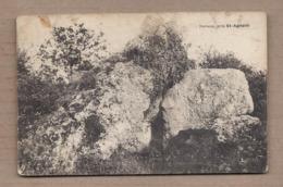 CPA 17 - SAINT-AGNANT - Dolmen , Près Saint-Agnant - TB GROS PLAN MENHIR - Dolmen & Menhirs