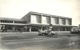 LORIENT - La Nouvelle Gare. (voiture Ds Citroën) - Stazioni Senza Treni