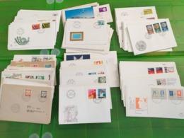 Lot N° TH. 1012 UN  LOT DE 250 Enveloppes 1 Er Jours SUISSE LUXEMBOURG ALLEMAGNE Etc............ - Stamps
