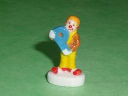 Fèves / Autres / Divers / Alimentation / Clown : Les Clowns De L'épiphanie , Lettre P    T64 - Geluksbrengers