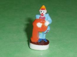 Fèves / Autres / Divers / Alimentation / Clown : Les Clowns De L'épiphanie , Lettre P   T64 - Sorpresine