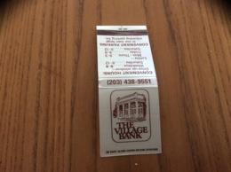 """Pochette D'allumettes Etats-Unis """"THE VILLAGE BANK - RIDGEFIELD, CT"""" - Matchboxes"""