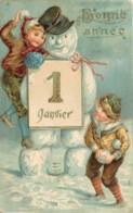 Fantaisie - 2 C.P.A. Gauffrées - Embossed Cards - Bonhommes De Neige - Enfants - Fantasia