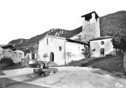 HOSTUN - L'Eglise Romane - Fontaine - Tirage D'éditeur N&B Non Dentelé - Otros Municipios