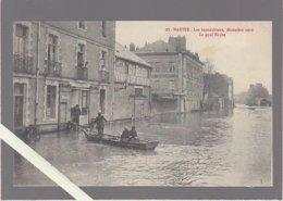 Nantes / Inondations Déc 1910 / Le Quai Hoche , Déplacement En Barque - Nantes
