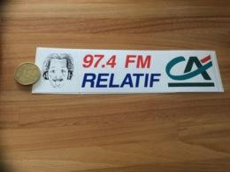 AUTOCOLLANT, Sticker * «RELATIF 97.4 FM - Crédit Agricole» (radio, Evreux (27) - Autocollants