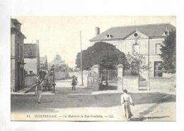 14 - OUISTREHAM - La Mairie Et La Rue Gambetta - France